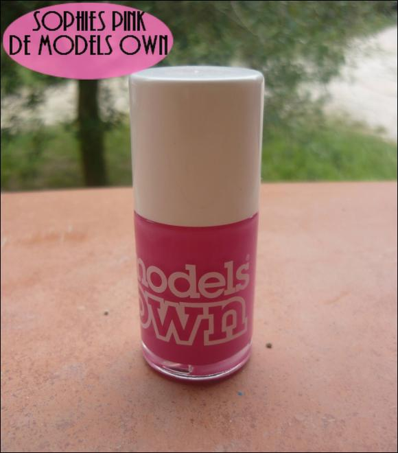 http://les-trouvailles-d-anaya.cowblog.fr/images/Anaya3/Modelsown.jpg